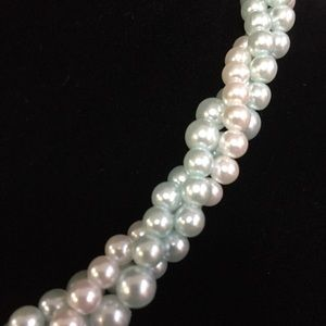 Jewelry - Pale Blue & White Twisted Pearl Choker (d001)
